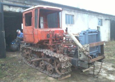 dt-75-w-trakcie-odbudowy-16