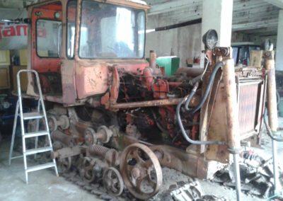 dt-75-w-trakcie-odbudowy-18