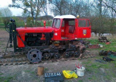 dt-75-w-trakcie-odbudowy-4